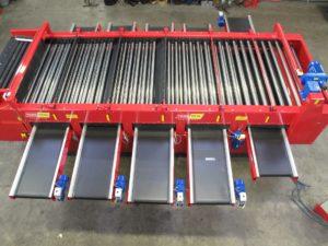 Lift Roller Grader - Carrot & Parsnip Grading | Tong Engineering