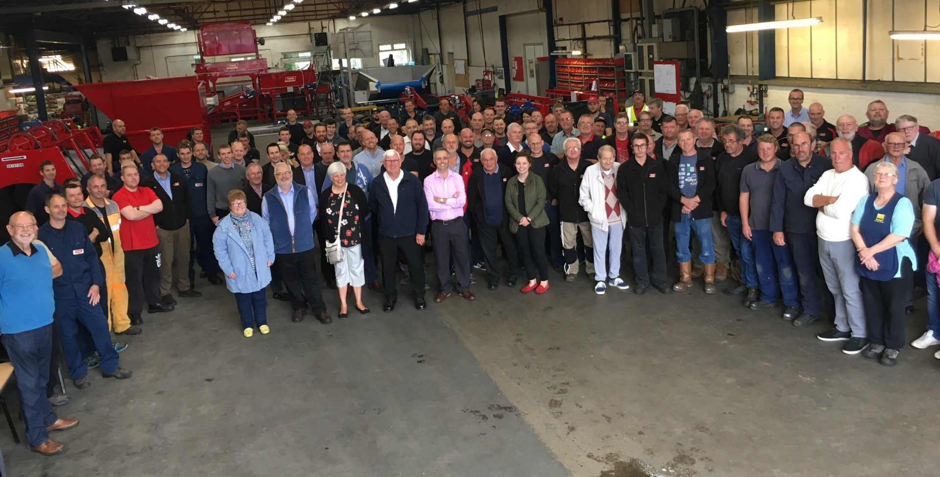 Tong Engineering Factory celebrates 50 years of longest serving employee