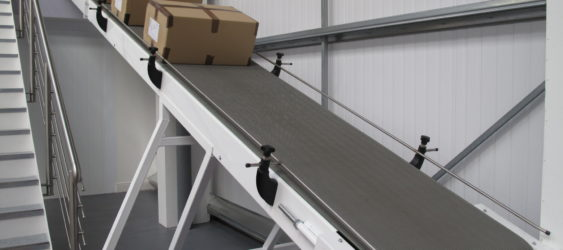 PACKING AND DISTRIBUTION CONVEYORS